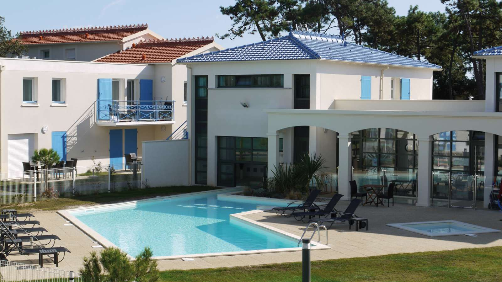residence les carrelets holiday accommodation saint palais sur mer lagrange. Black Bedroom Furniture Sets. Home Design Ideas