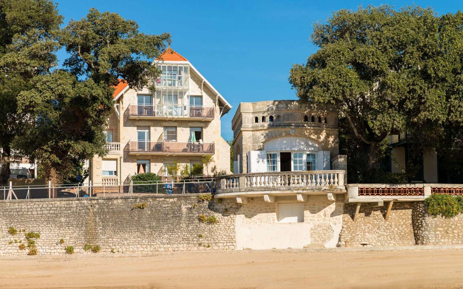 residence le phalene holiday accommodation saint palais sur mer lagrange. Black Bedroom Furniture Sets. Home Design Ideas