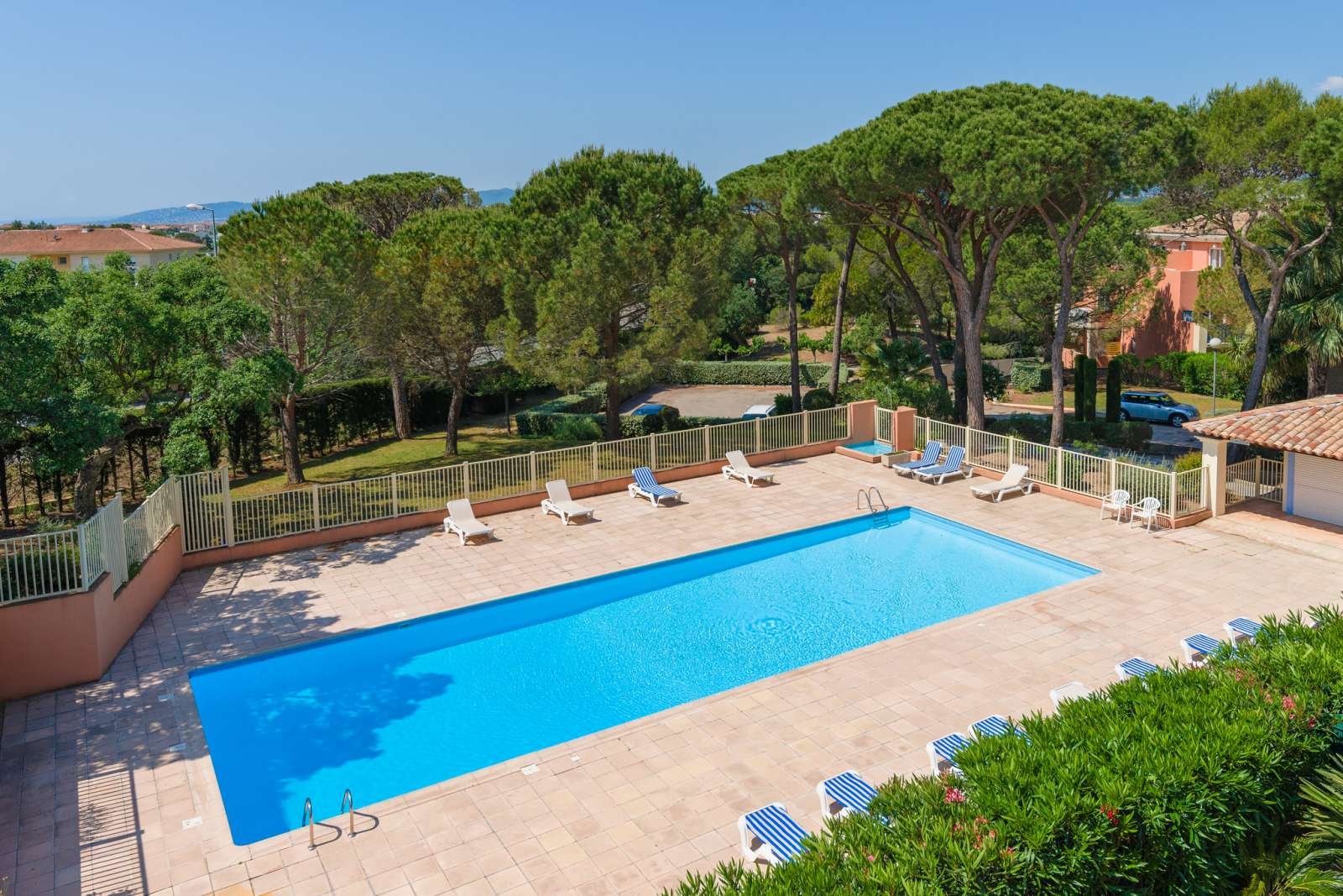 Residence Le Domaine des Grands Pins - Holiday Accommodation Valescure ...