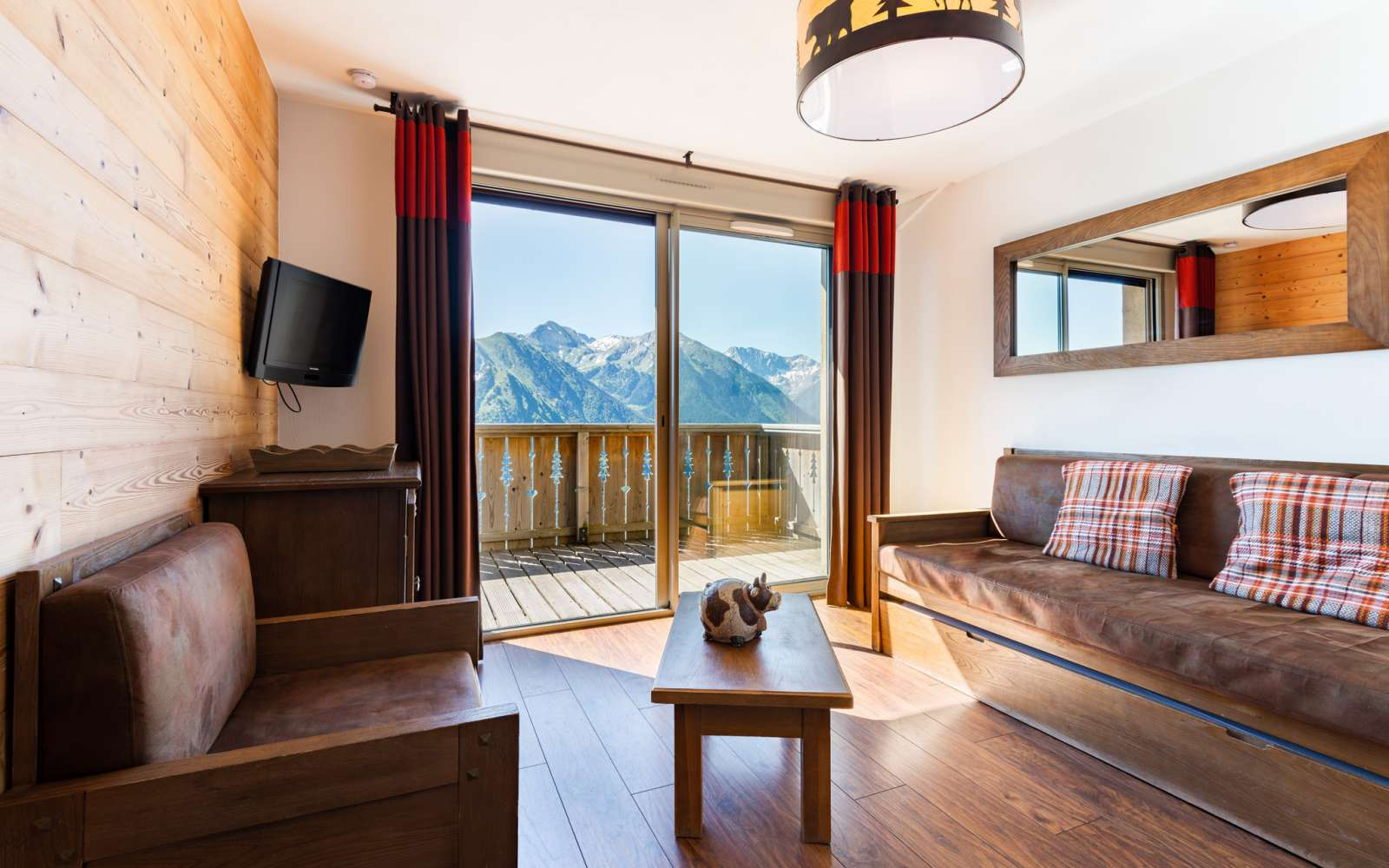 Lagrange Vacances Les Chalets De L Adet Saint Lary Pla D Adet Holiday Accommodation